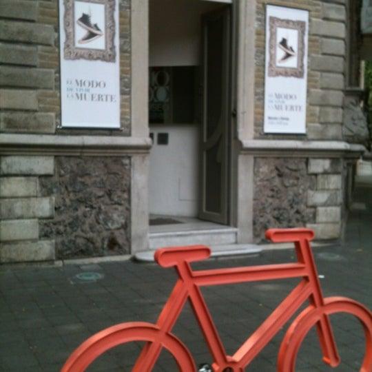 Das Foto wurde bei MODO Museo del Objeto del Objeto von Esther S. am 9/26/2012 aufgenommen