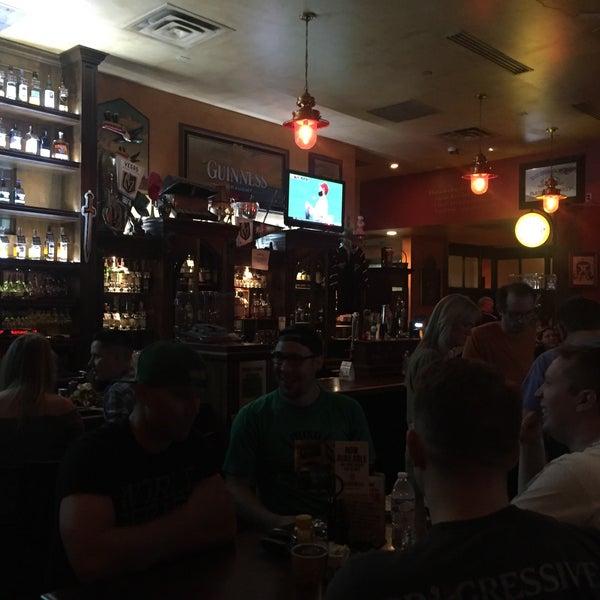 Foto scattata a McMullan's Irish Pub da Daurys N. il 8/1/2018