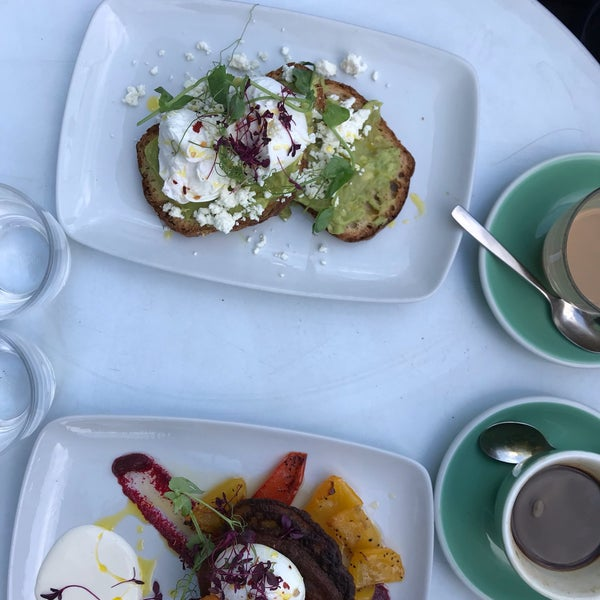 Delicious brunch and great service, recommended!