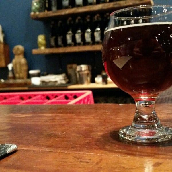 Foto scattata a Night Shift Brewing, Inc. da Joshua B. il 11/16/2014