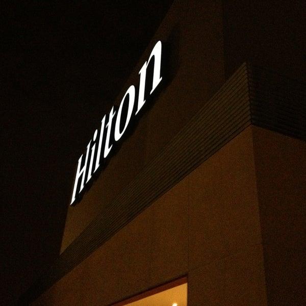 Foto scattata a Hilton da Angela O. il 2/19/2013