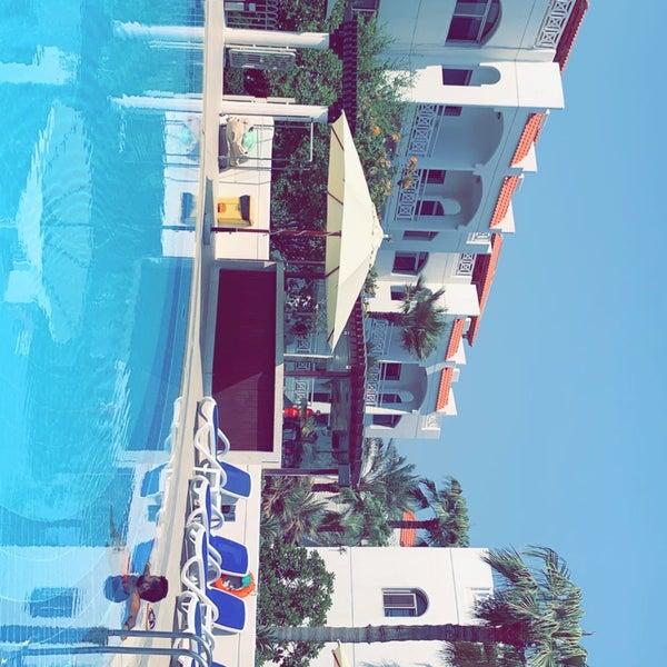 รูปภาพถ่ายที่ Rimal Hotel & Resort โดย Ibrahem A. เมื่อ 9/24/2019