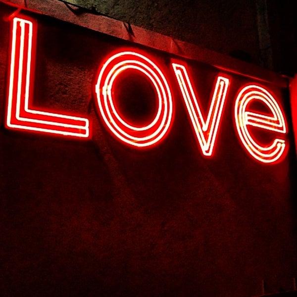 Photo prise au Love par Alexis M. le3/1/2013