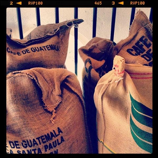 Foto scattata a Espressofabriek da espressofabriek il 4/2/2012