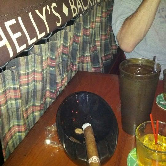 Das Foto wurde bei Shelly's Back Room von Doug H. am 8/22/2012 aufgenommen