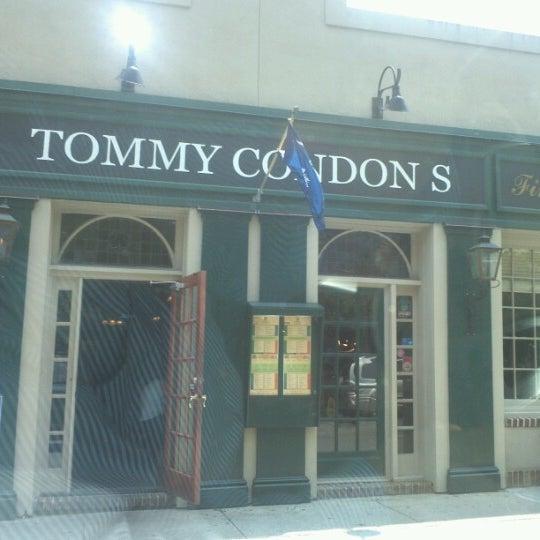 รูปภาพถ่ายที่ Tommy Condon's โดย Jim S. เมื่อ 6/19/2012