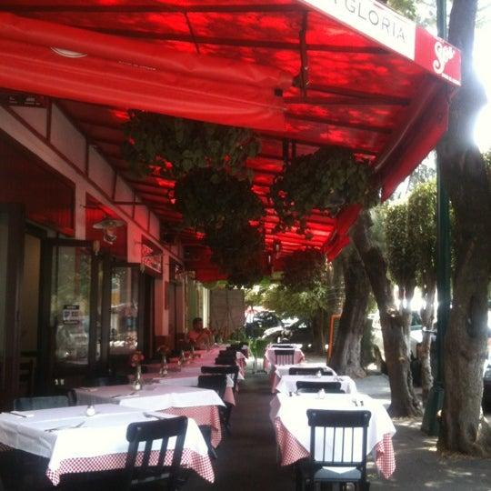 Foto tirada no(a) Café La Gloria por Fany P. em 8/30/2012
