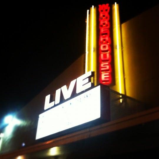 รูปภาพถ่ายที่ Warehouse Live โดย Wayne A. เมื่อ 6/18/2012