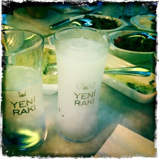 Das Foto wurde bei Safi Meyhane von Gokce O. am 7/17/2012 aufgenommen