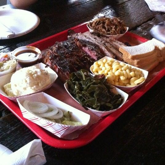รูปภาพถ่ายที่ Mable's Smokehouse & Banquet Hall โดย Yuki S. เมื่อ 6/9/2012