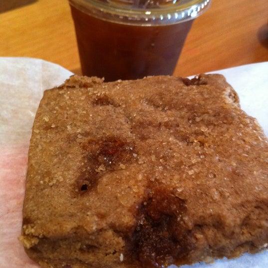 Foto tomada en Ports Coffee & Tea Co. por Helen L. el 6/23/2012