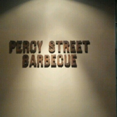 Photo prise au Percy Street Barbecue par Todd W. le9/3/2012