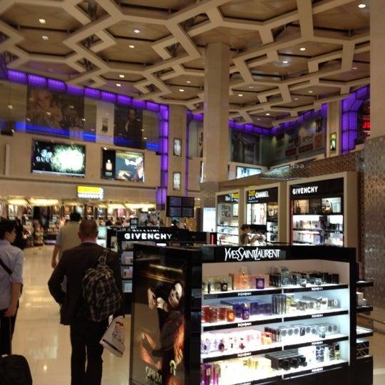 Photo prise au Abu Dhabi International Airport (AUH) par Teh K. le6/13/2012