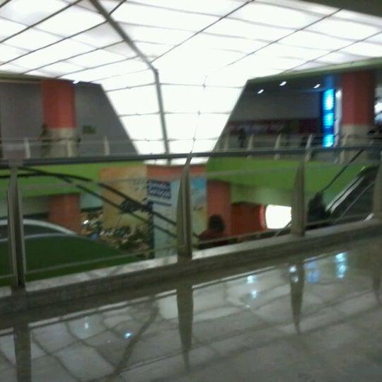 5/15/2012 tarihinde Guilherme C.ziyaretçi tarafından Shopping Center Penha'de çekilen fotoğraf