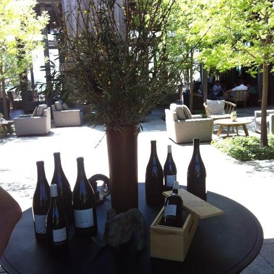 รูปภาพถ่ายที่ Ram's Gate Winery โดย Christian A. เมื่อ 4/21/2012