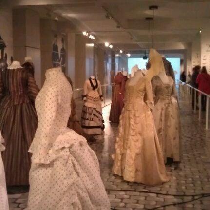 Foto tirada no(a) MoMu - ModeMuseum Antwerpen por Sara F. em 3/20/2012
