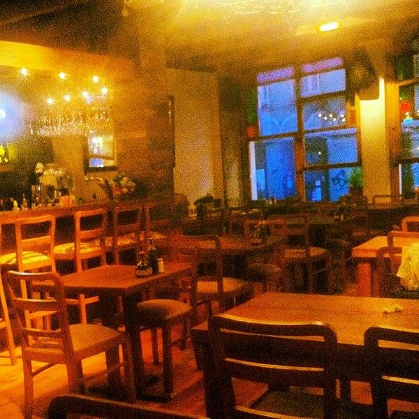 6/15/2012 tarihinde Merih G.ziyaretçi tarafından Mica Restaurant & Bar'de çekilen fotoğraf