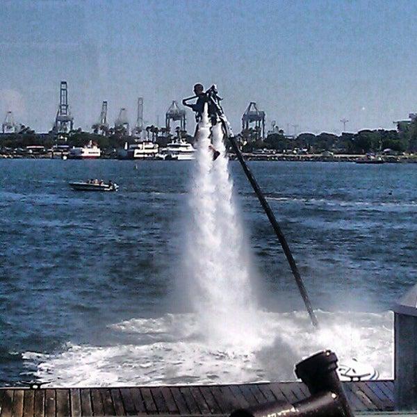 Снимок сделан в Parkers' Lighthouse пользователем Mb H. 7/27/2012