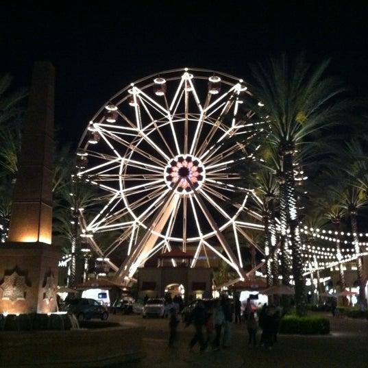 Снимок сделан в Irvine Spectrum Center пользователем Sarah R. 4/15/2012
