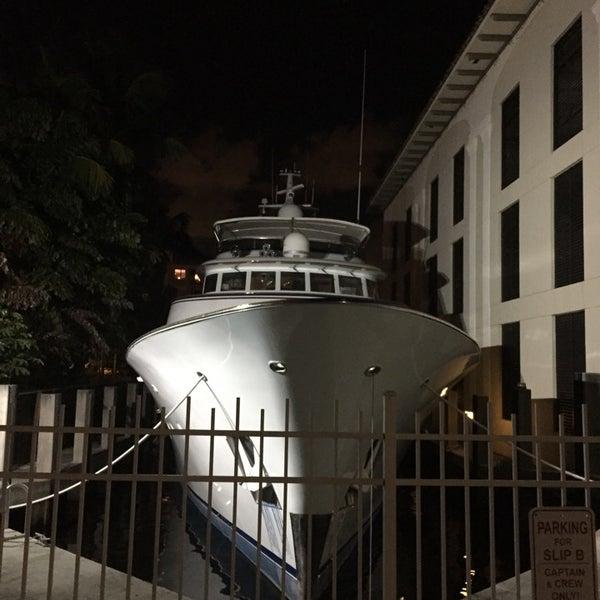 Photo prise au Bimini Boatyard Bar & Grill par Matthew A. le10/11/2014