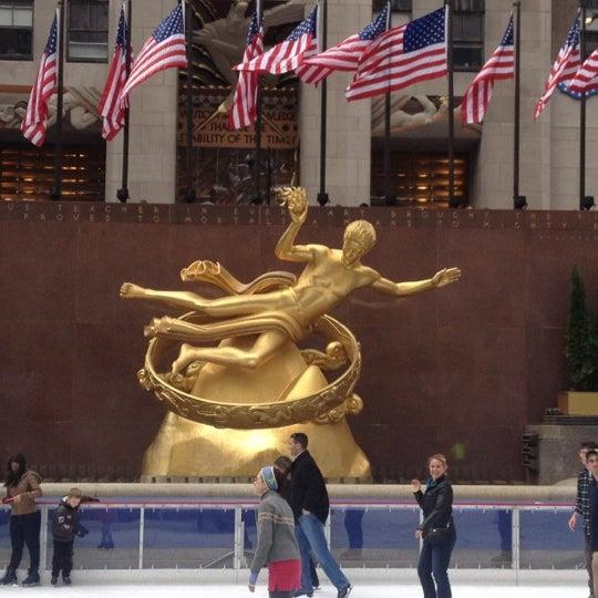 Das Foto wurde bei The Rink at Rockefeller Center von Geoff H. am 11/3/2012 aufgenommen
