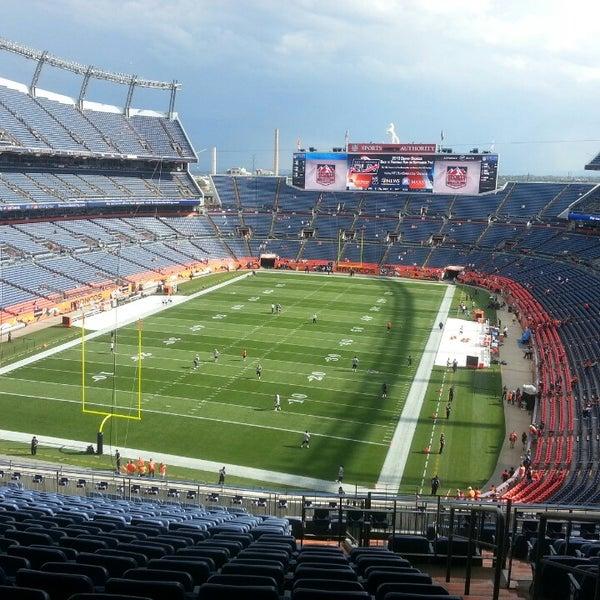Foto diambil di Broncos Stadium at Mile High oleh Cole B. pada 8/24/2013