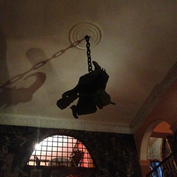Foto diambil di Restaurante & Bar La Strega oleh MaFa B. pada 9/10/2014