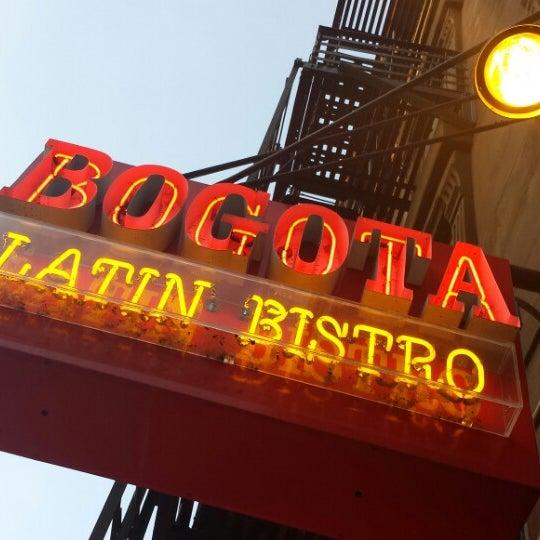 Das Foto wurde bei Bogota Latin Bistro von Ask Asheville h. am 7/1/2014 aufgenommen