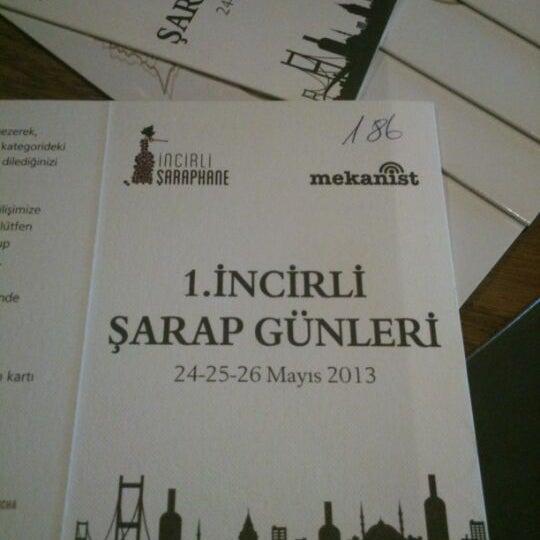รูปภาพถ่ายที่ İncirli Şaraphane โดย Aylin A. เมื่อ 5/25/2013