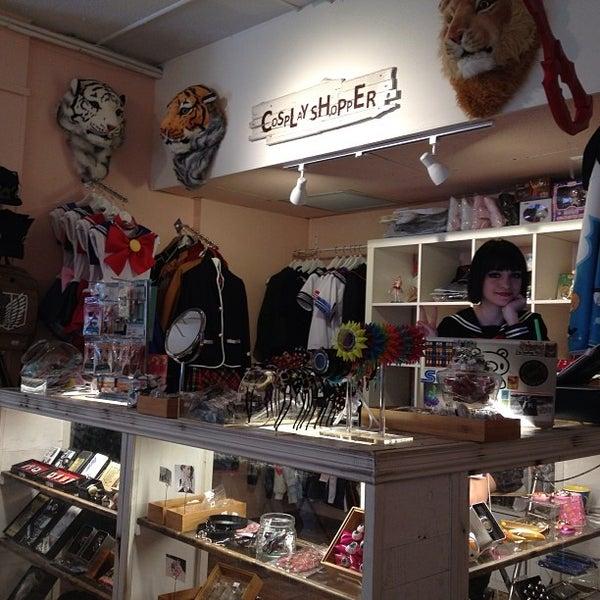 5/15/2014 tarihinde MaidCafe N.ziyaretçi tarafından Maid Cafe NY'de çekilen fotoğraf