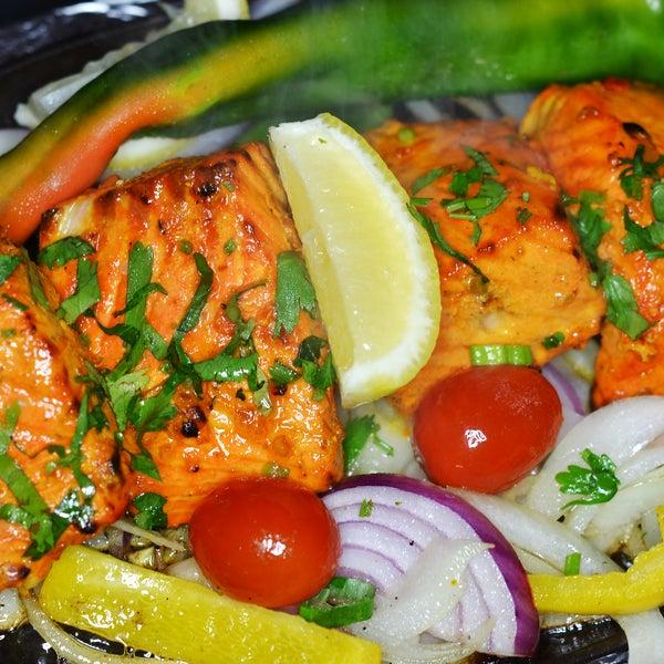 Foto tirada no(a) Spice Rack Indian Fusion Dining por Spice Rack Indian Fusion Dining em 8/27/2014