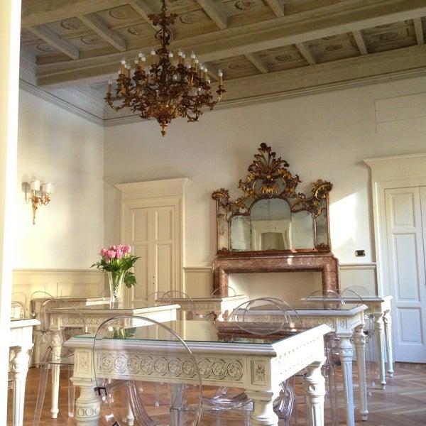 """Ristorante """"segreto"""", al primo piano di un palazzo nobiliare di Milano con una grande terrazza. Da provare!"""