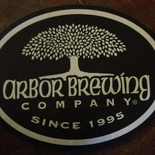 Foto tomada en Arbor Brewing Company por Jamie H. el 11/24/2012