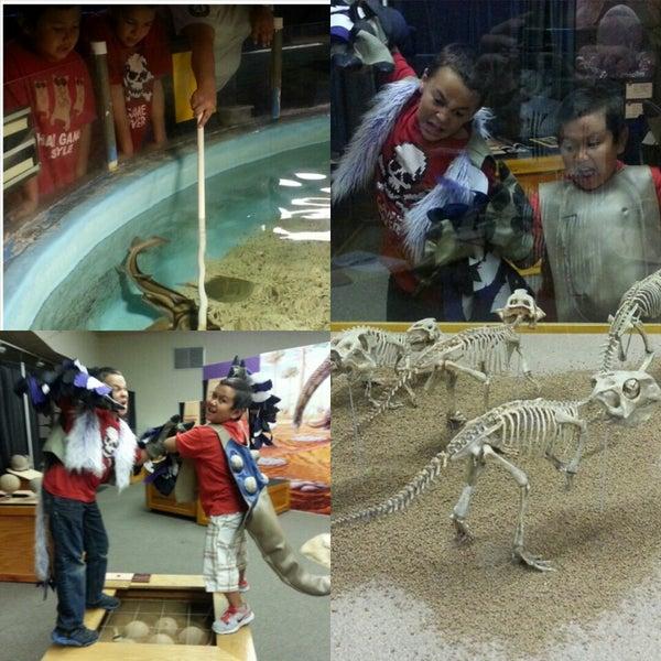 Foto tirada no(a) Las Vegas Natural History Museum por Ricky M. em 6/12/2014