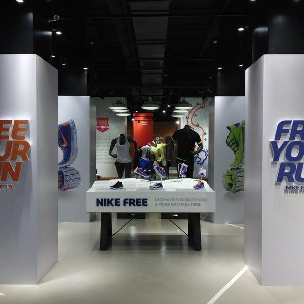 Artes literarias escanear cosecha  Nike Store Cola di Rienzo - Prati - Roma, Lazio