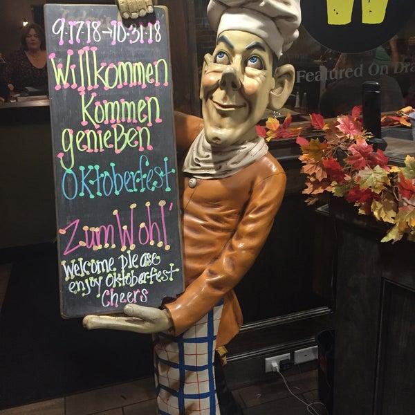 Photo prise au Horseshoe Pub & Restaurant par Jeff B. le10/11/2018