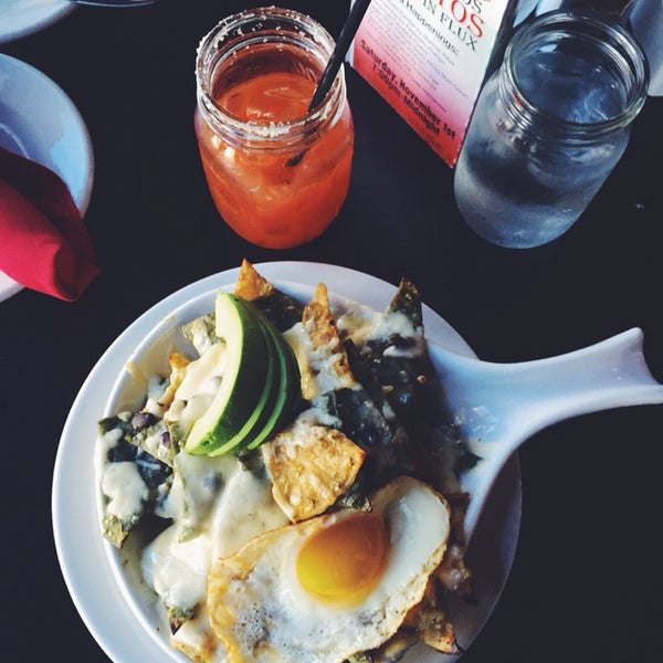 Great specials. Great brunch(chilaquiles). Great dinner(fish tacos). Good service. No wait. It's definitely one of my favorites.