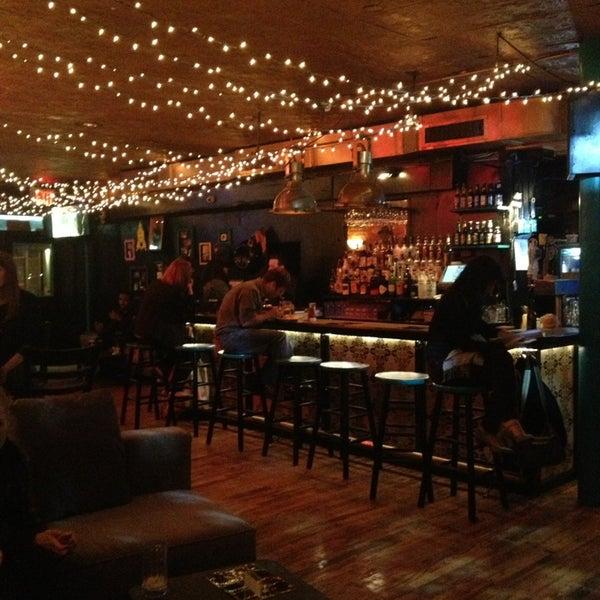 Foto tirada no(a) Bar Nine por Marina A. em 11/4/2013