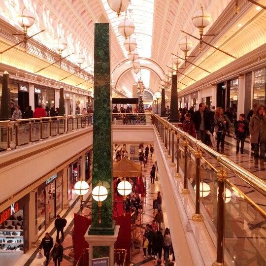 Foto tomada en Centro Comercial Gran Vía 2 por Cristian U. el 12/31/2012