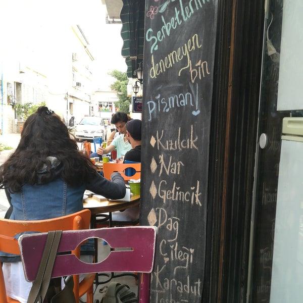 9/26/2017 tarihinde Atıl K.ziyaretçi tarafından Tosbağa Cafe'de çekilen fotoğraf