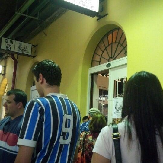 รูปภาพถ่ายที่ Gambrinus โดย Fernando M. เมื่อ 10/13/2012