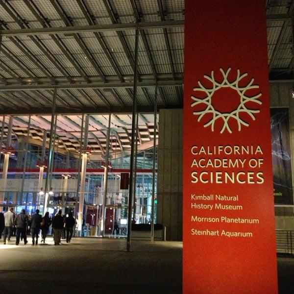 รูปภาพถ่ายที่ California Academy of Sciences โดย Daniel S. เมื่อ 1/16/2013