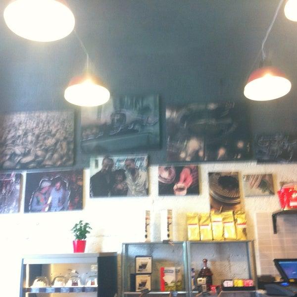 4/1/2013にTest A.がTamp & Pull Espresso Barで撮った写真