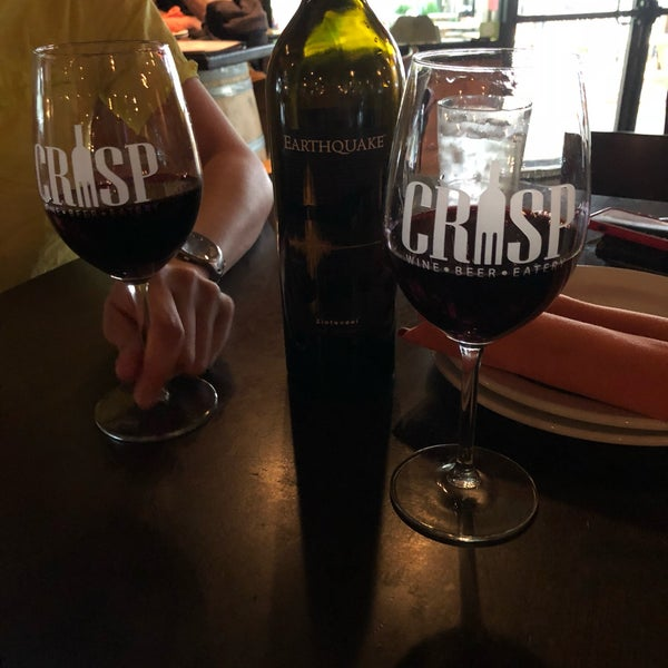 Photo prise au Crisp Wine-Beer-Eatery par Chris le7/2/2018