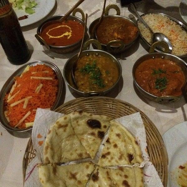 Foto diambil di Om India oleh Santiago D. pada 11/15/2015