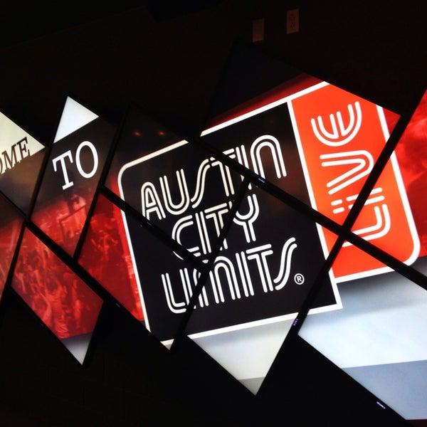 Das Foto wurde bei Austin City Limits Live von Bryan H. am 7/21/2013 aufgenommen