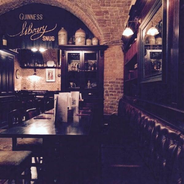 Foto tomada en Tap&Barrel Pub por Alina F. el 12/21/2014