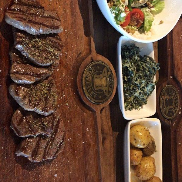 1/21/2019 tarihinde Seda E.ziyaretçi tarafından Bonfilet Steak House & Kasap'de çekilen fotoğraf