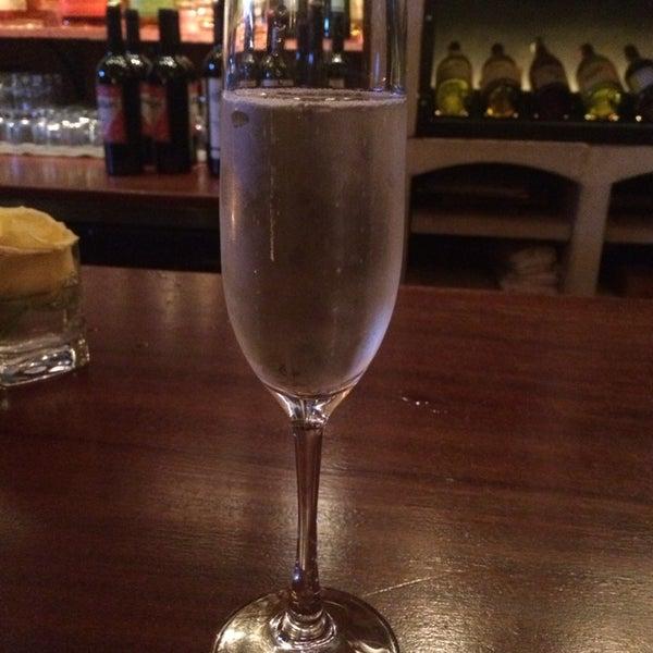 2/22/2014にSchnappS I.がThe Tangled Vine Wine Bar & Kitchenで撮った写真