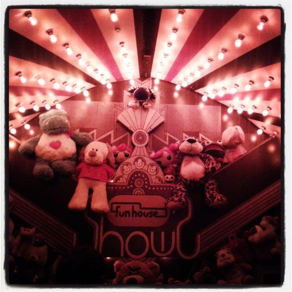 3/24/2013にPriscila D.がFunhouseで撮った写真
